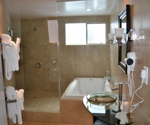 3 Bedroom Deluxe Suite